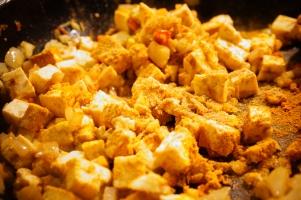 Saute pan with tofu and kukuma
